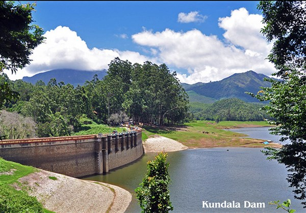 Munnar & Athirapally 3 Days 3-days Tour from Arcot to Arcot.